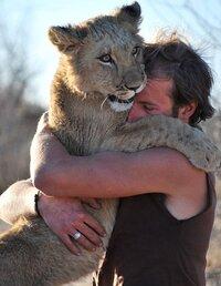hugg.jpg