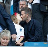 David Beckham kissing 7yo daughter Harper.jpg